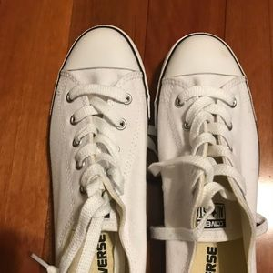 Converse shoes size 8. Never worn